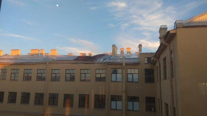 В Санкт-Петербурге обрушились крыша университета и перекрытия пяти этажей