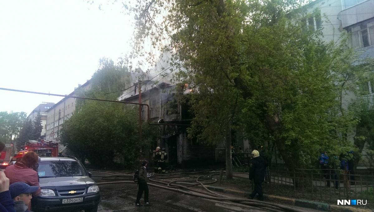 Расселенный дом сгорел вцентре Нижнего Новгорода