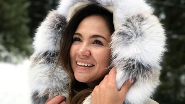 Сиять серебром и кутаться в одеяло: пять трендов в зимней верхней одежде от стилиста Марии Марыгиной