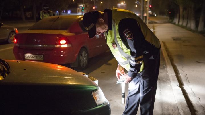Новосибирец успел проехать на угнанной машине 50 метров — его поймали