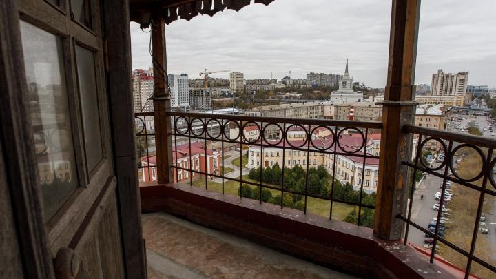 В Волгограде открыли смотровую площадку пожарной каланчи