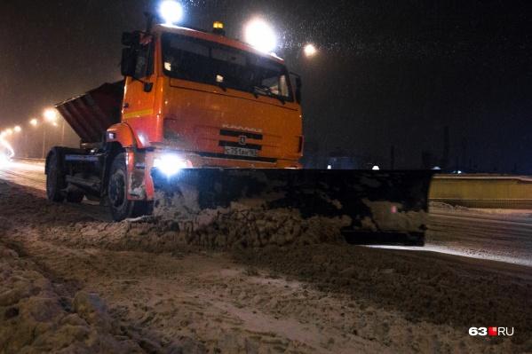 Большую часть техники направят на расчистку основных магистралей