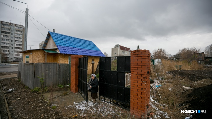 Пенсионерка из Николаевки может лишиться аванса и квартиры из-за отсутствия денег от мэрии