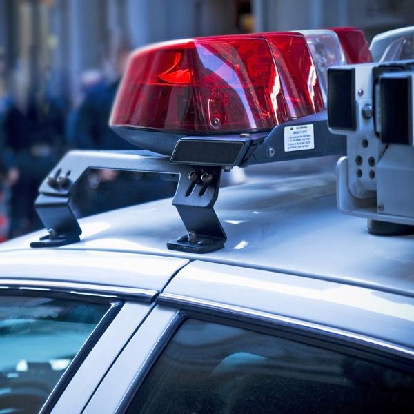 Лихач протаранил автомобиль ДПС натрассе вКузбассе