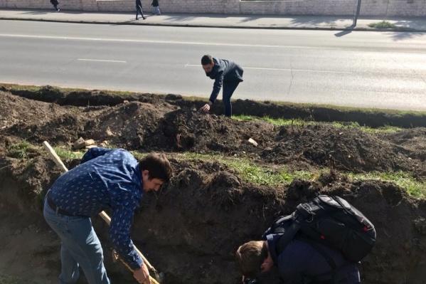 Находку обнаружили во время озеленения сквера