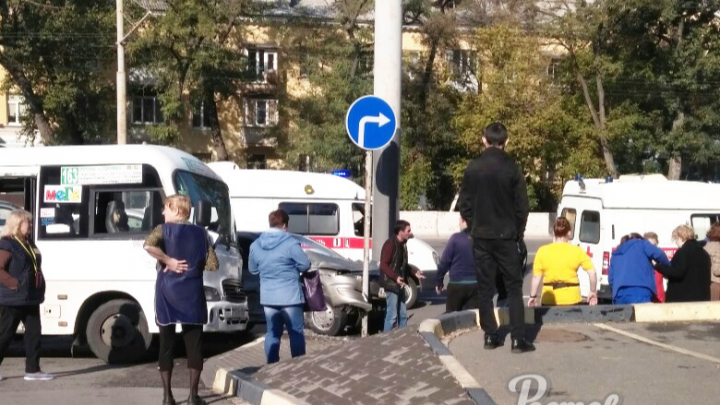В ДТП на Нагибина пострадали два человека