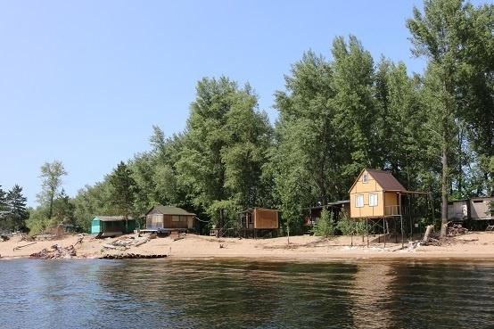 Новые постройки на берегах Волги растут как грибы