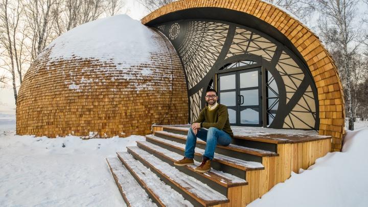 Просто космос: под Новосибирском построили круглый дом. Это часть нового гигантского парка за 200 млн