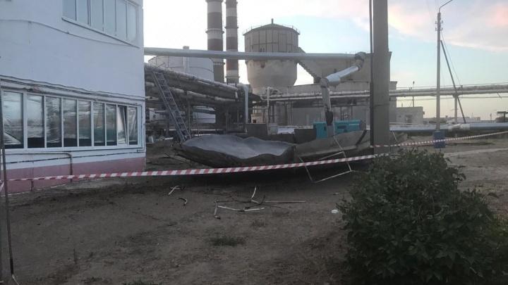 «Сам выбрался из резервуара»: в Камышине рабочий пострадал при взрыве на электростанции