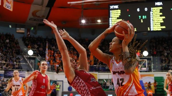 Баскетболистки УГМК разделались с московской командой, доведя отрыв почти до 70 очков