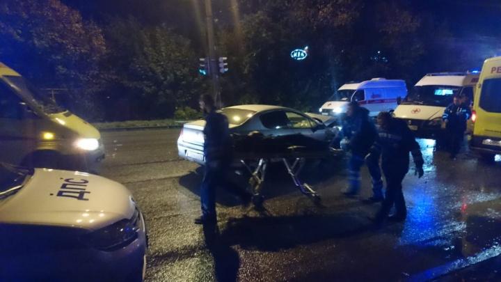 «Четырнадцатая» пролетела больше десятка метров: в ДТП на Щербакова пострадали три человека