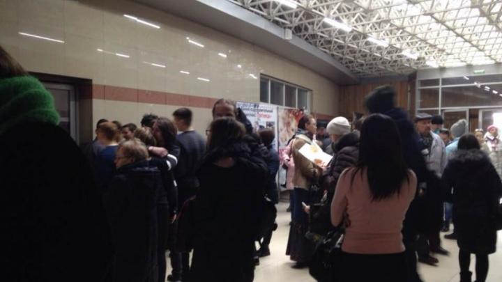 Из крупного торгово-развлекательного комплекса в Челябинске эвакуировали людей
