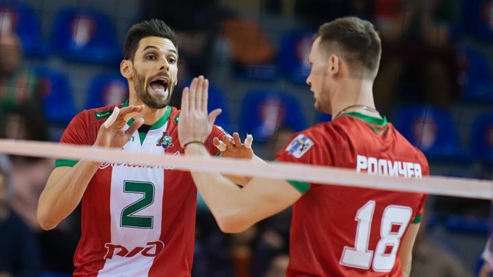 Волейбол: «Локомотив» одержал уверенную победу над «Енисеем»