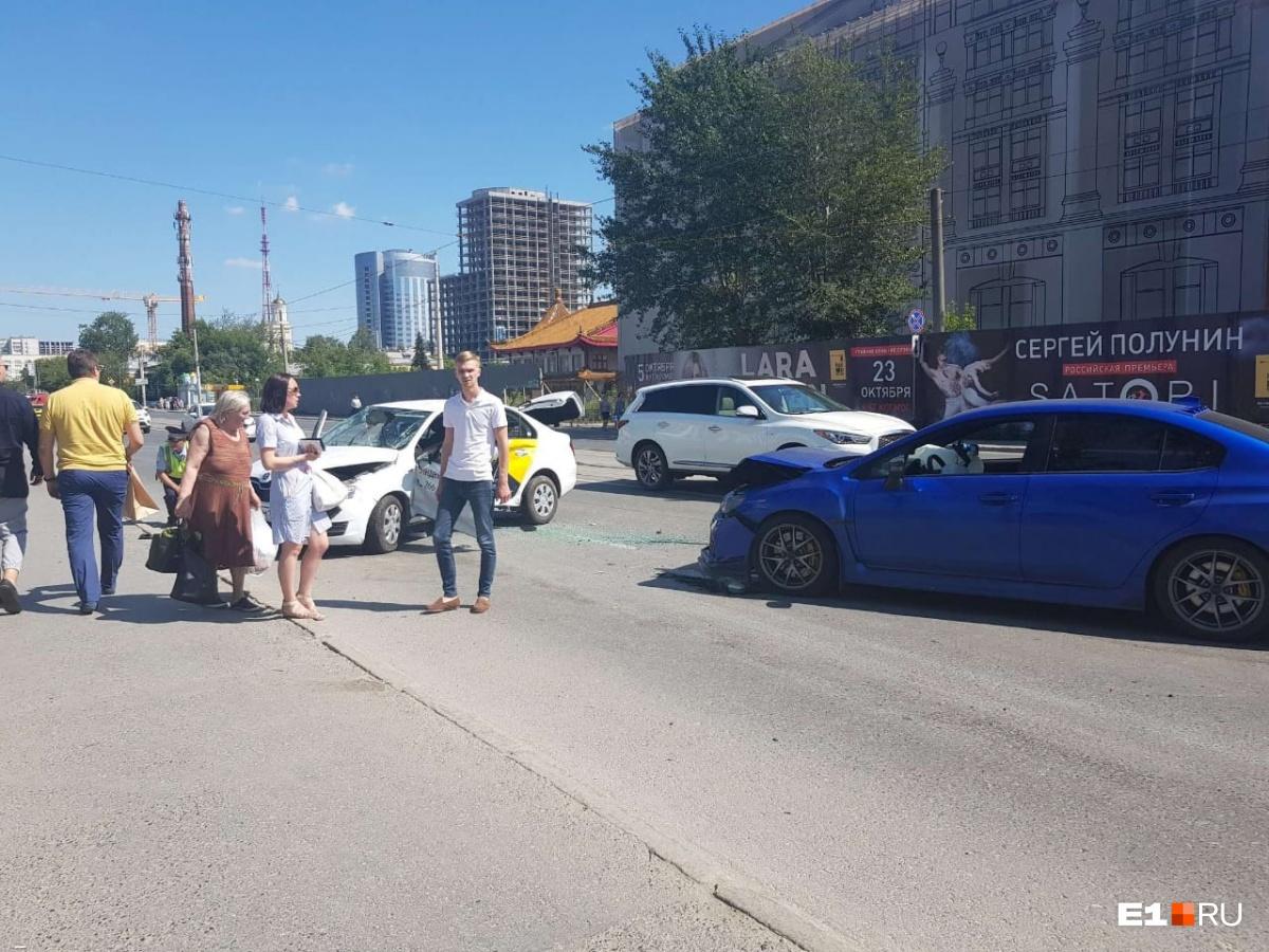Водитель Skoda попал в больницу
