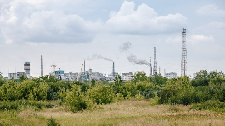 Заводы Тольятти попросили уменьшить объем вредных выбросовна 20%