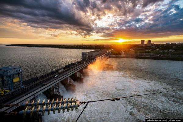 Может быть, именно сентябрь — время встретить свой первый закат на ГЭС