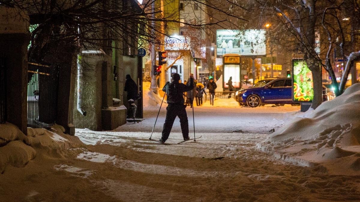 Лыжник проехался по улице Ленина и свернул на улицу Урицкого