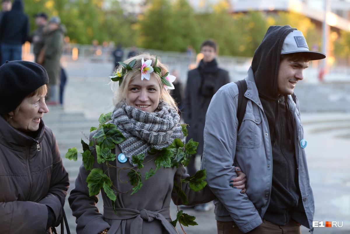 Джек Воробей, хороводы и православный флешмоб: чем запомнилась седьмая акция в защиту сквера