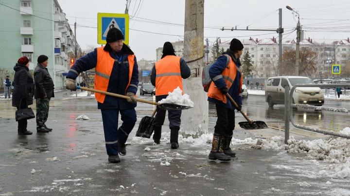 Власти Кургана пригрозили штрафом тем, кто неправильно убирает снег
