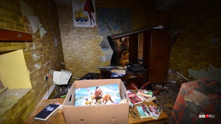 «Искра» гаснет: фоторепортаж из кинотеатра в центре Архангельска, который скоро исчезнет