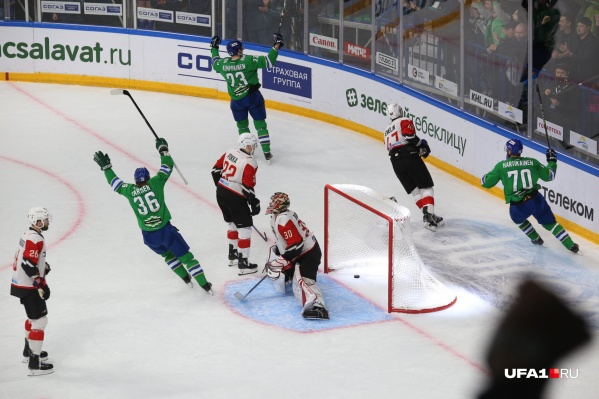 В предыдущем матче «Салават Юлаев» разгромил омичей