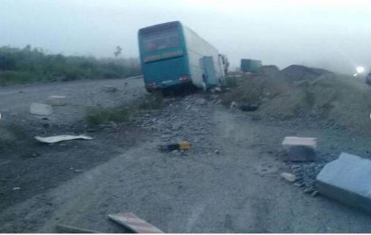 Проигравшие «Соколу» хоккеисты попали в аварию под Канском: водитель уснул