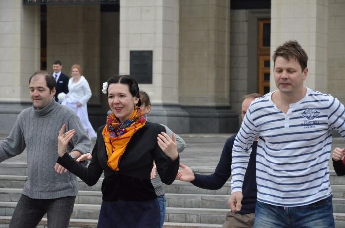 Новосибирские линди-хоперы присоединились ко всемирному флешмобу