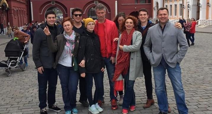 Евгений Ройзман рассказал на Красной площади, почему политикам важно читать сказки в детстве