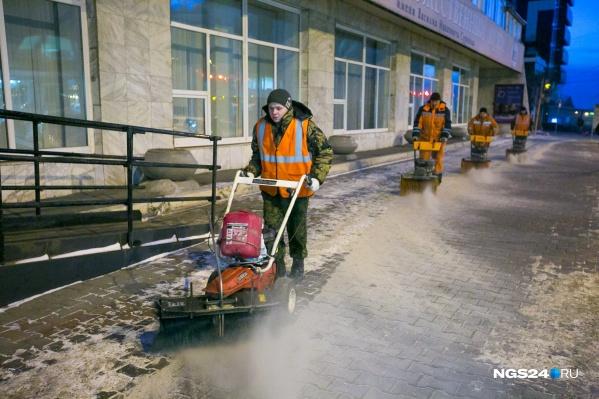 С января дорожники полностью отказались от песчано-солевой смеси