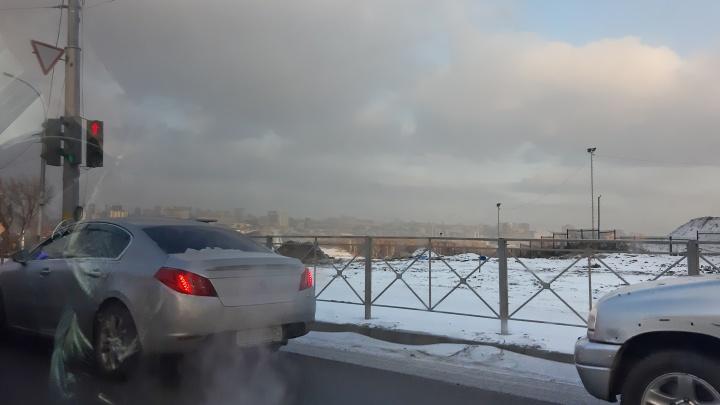 Над Новосибирском поднялась дымка. Разбираемся с синоптиками, что это такое