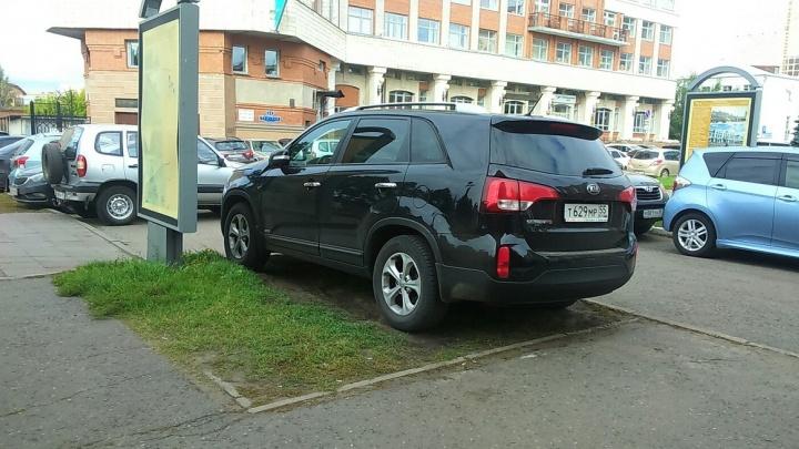 «Я паркуюсь как...»: почему на детской площадке лучше, чем на парковке