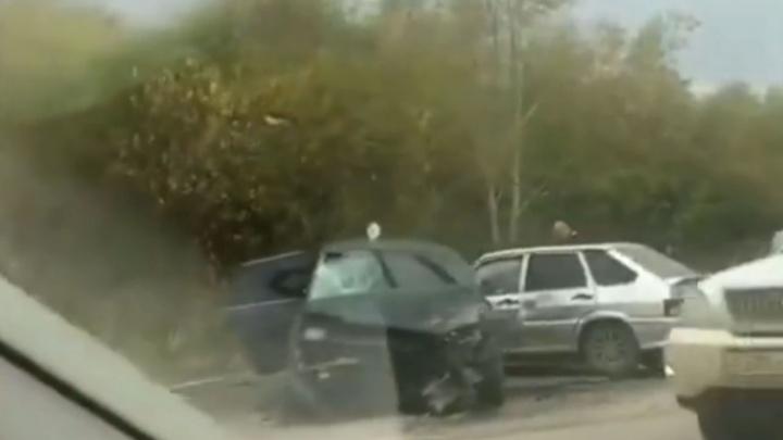 В массовом ДТП на Гайве погибла 76-летняя пенсионерка, которая шла вдоль дороги