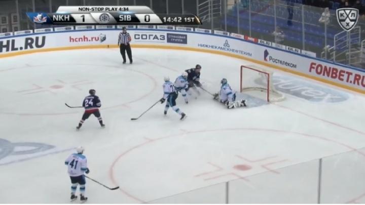 Отчаянная игра «Сибири» в сложном матче вошла в топ самых ярких событий недели в КХЛ