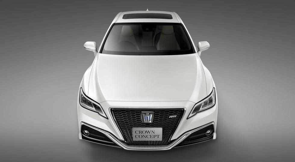 Toyota показала новый «Краун» с клювом на носу (фото)