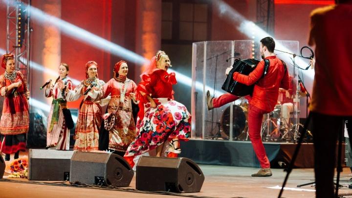 Пять вечеров в Тюмени: ночной Нью-Йорк, море театра, «Щелкунчики» на выбор и концерт Пелагеи