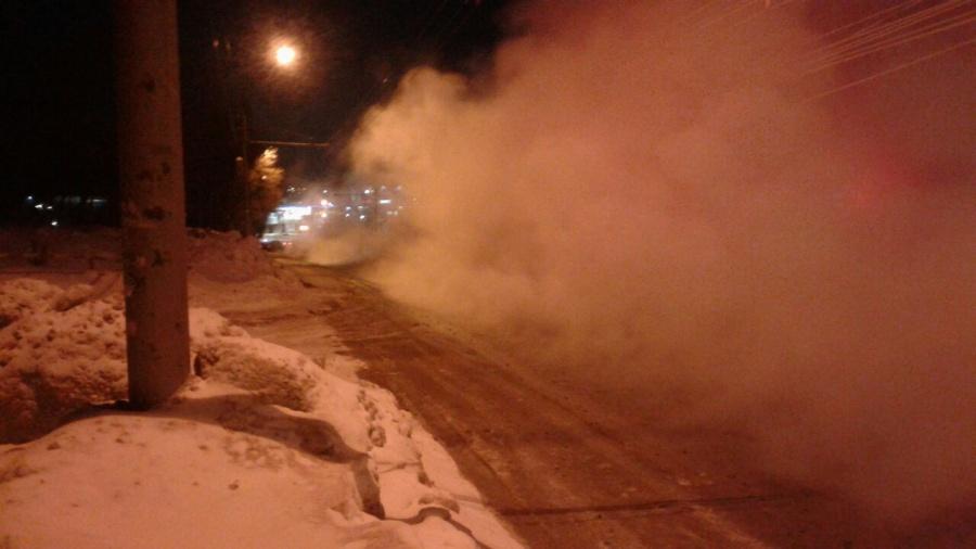 Улицу Доватора вНовосибирске перекрыли из-за коммунальной трагедии