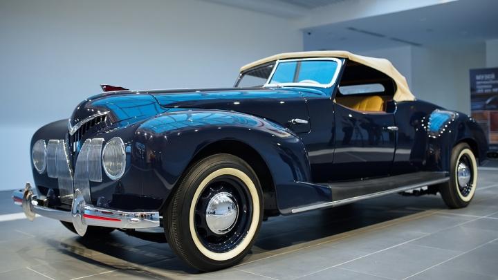 «Буржуазно роскошный и эгоистичный»: в музей УГМК привезли копию первого советского спорткара