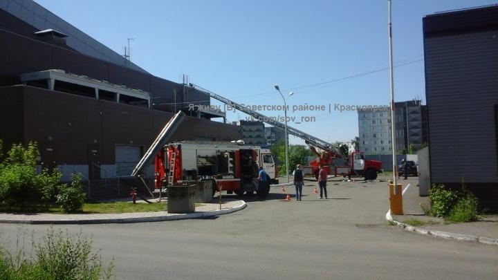 Тренировку спасателей приняли за пожар в ледовом дворце «Сокол»