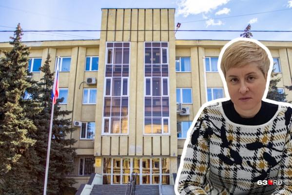 Прокуратуру просят проверить новую должность чиновницы на предмет конфликта интересов