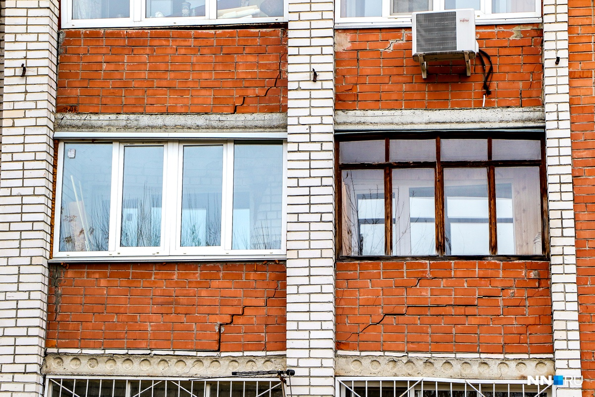 Граждане 8-ми квартир переехали изтреснувшего дома поулице Ломоносова Нижнем Новгороде