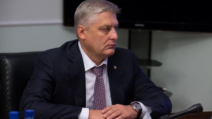 «На трибунах триколор не запретили»: директор «Трактора» призвал болельщиков поддержать российских спортсменов