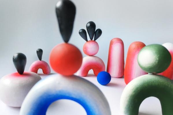Эта работа художника сделана в пространстве — эскиз из раскрашенного полимерного пластилина