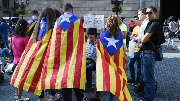 Парламент Каталонии объявил о её независимости от Испании