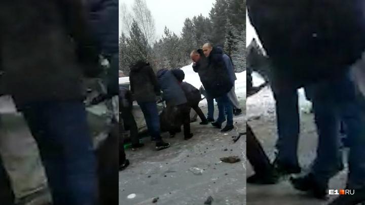 На Серовском тракте произошла массовая авария
