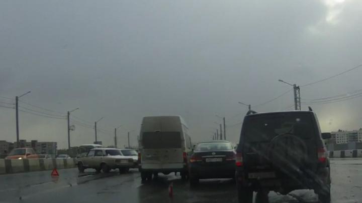 С днём жестянщика, Челябинск: на мосту в Ленинский район произошло массовое ДТП