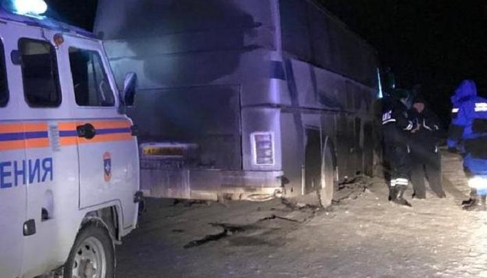На трассе Пермь — Екатеринбург спасли пассажиров сломавшегося автобуса