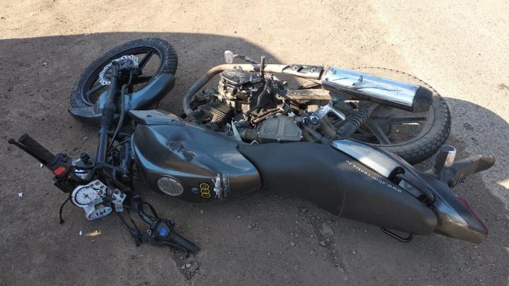 Школьник на скутере протаранил машину в Башкирии и попал в больницу