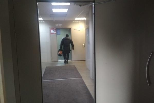 Квартиры братьев расположены в одном доме и на одном этаже