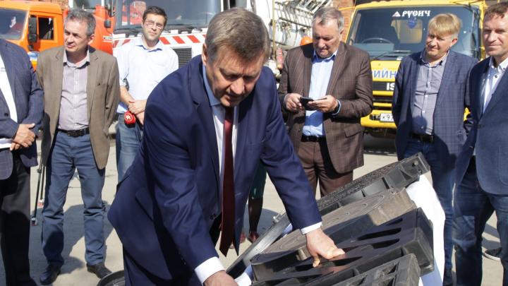 На новосибирских дорогах появятся решётки для ливнёвок, которые не захочется воровать