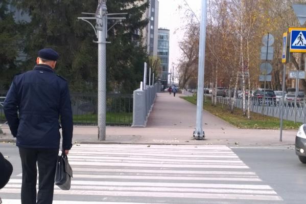 На перекрёстке Красного проспекта и Свердлова